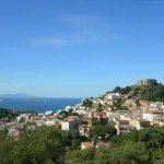 Begur, vista del Castillo y las Islas Medas