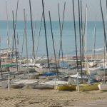 Playa de Calafell con barcas