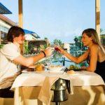 Hotel Caribe de Port Aventura en Salou, restaurante lago