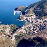 Panorámica de Portbou en la Costa Brava