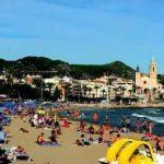 Panorámica de la playa de Sitges en la Costa del Garraf