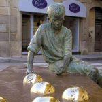 Reus, escultura dedicada a Antoni Gaudí