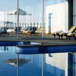 Piscina interior de Le Meridien Ra Beach Hotel & Spa en el Vendrell (Costa Daurada)