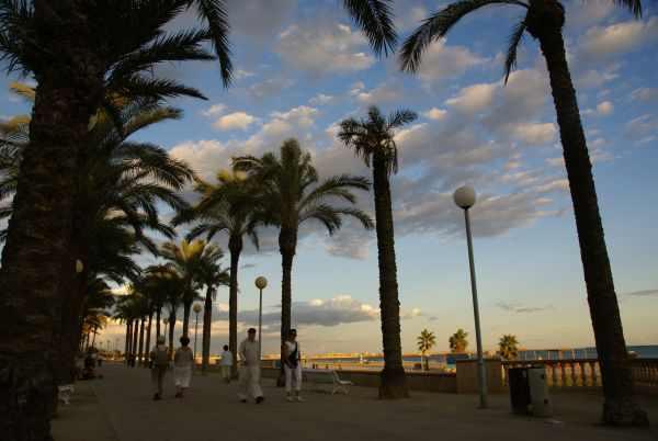 Vilanova i la geltr costa del garraf playas de - Japones vilanova i la geltru ...