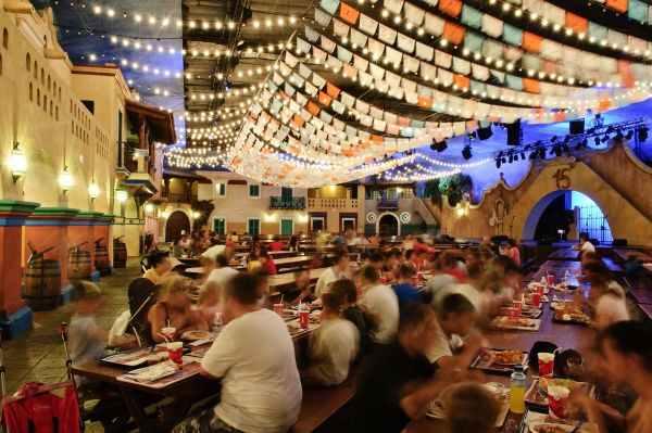 Restaurante con espectáculo de Port Aventura, La Cantina de México