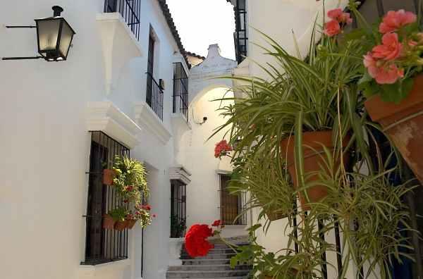 Pueblo Espanyol, casas que representan Cadiz, Andalucia