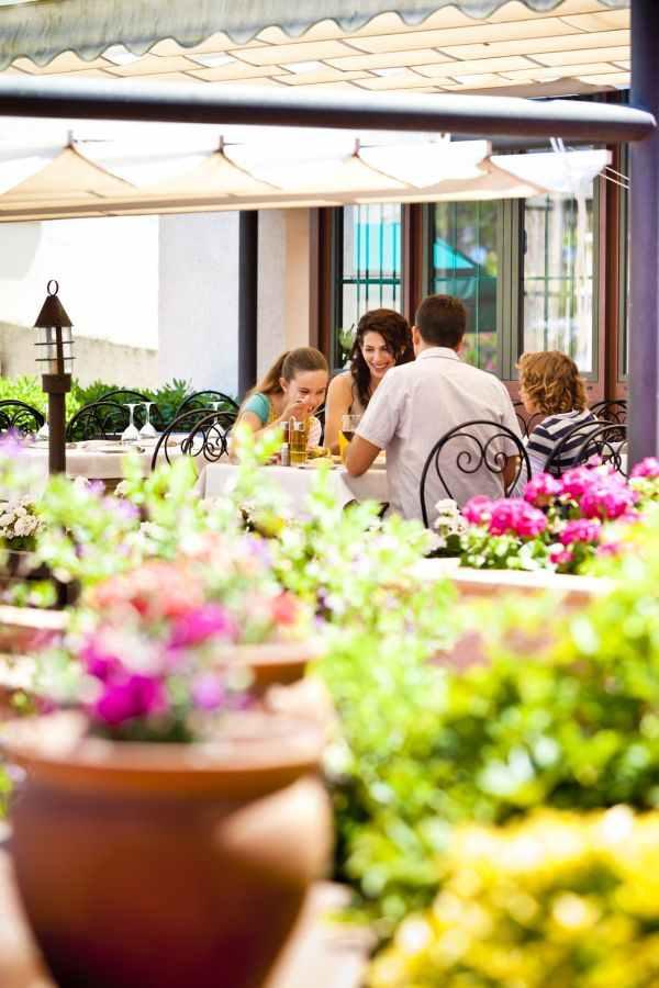 Terraza con vistas a la Mediterrània del Restaurante Racó del Mar