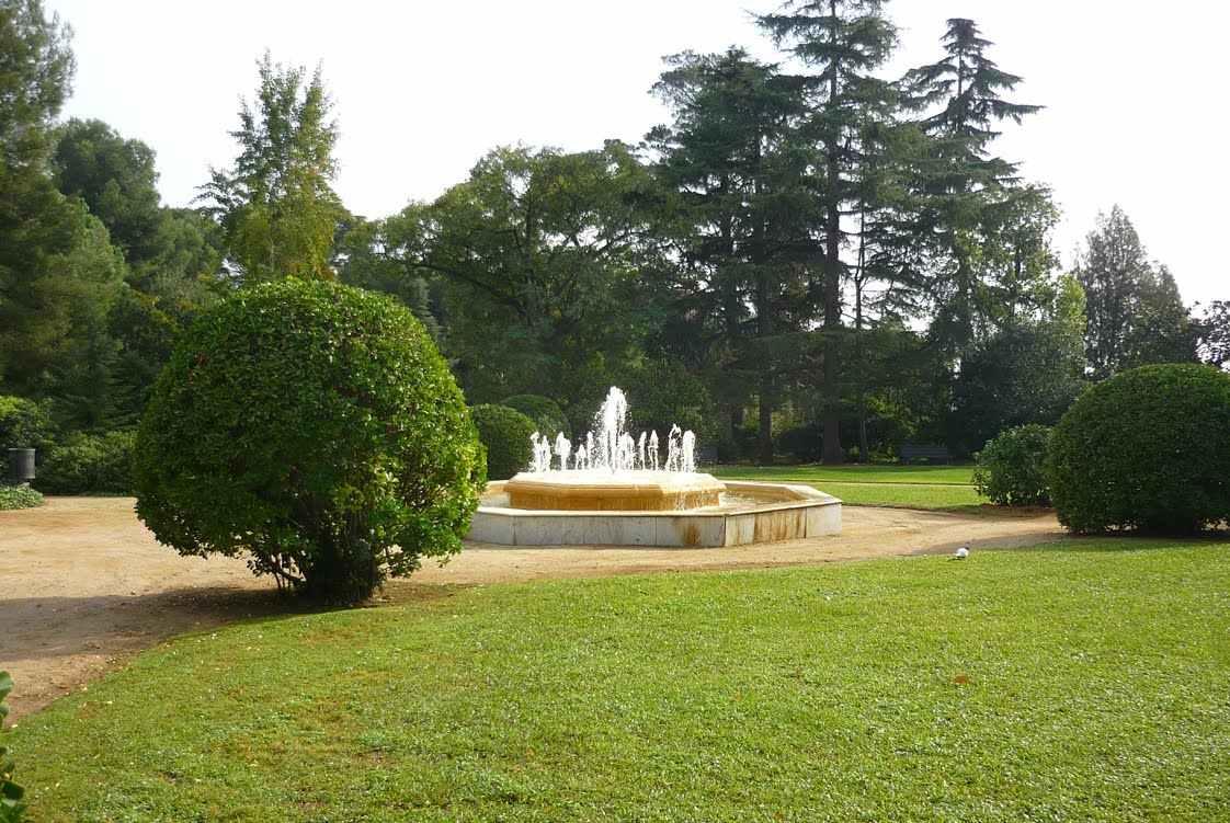 Jardins del palau de pedralbes en barcelona parques de - Jardins del palau ...