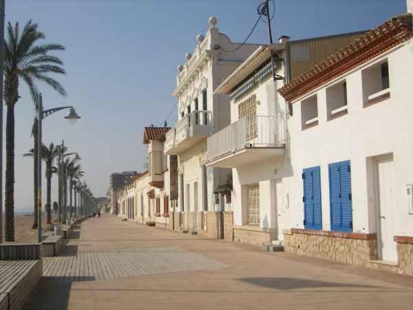 Playa de coma ruga playa sant salvador playa del for Pisos en el vendrell