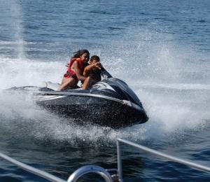 Barco con Fiesta en Ibiza