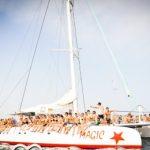 Catamarán con Fiesta en Ibiza