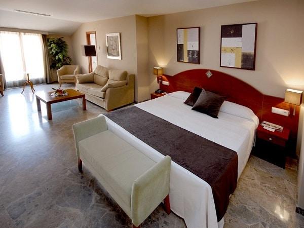 Hoteles cerca de Dinópolis