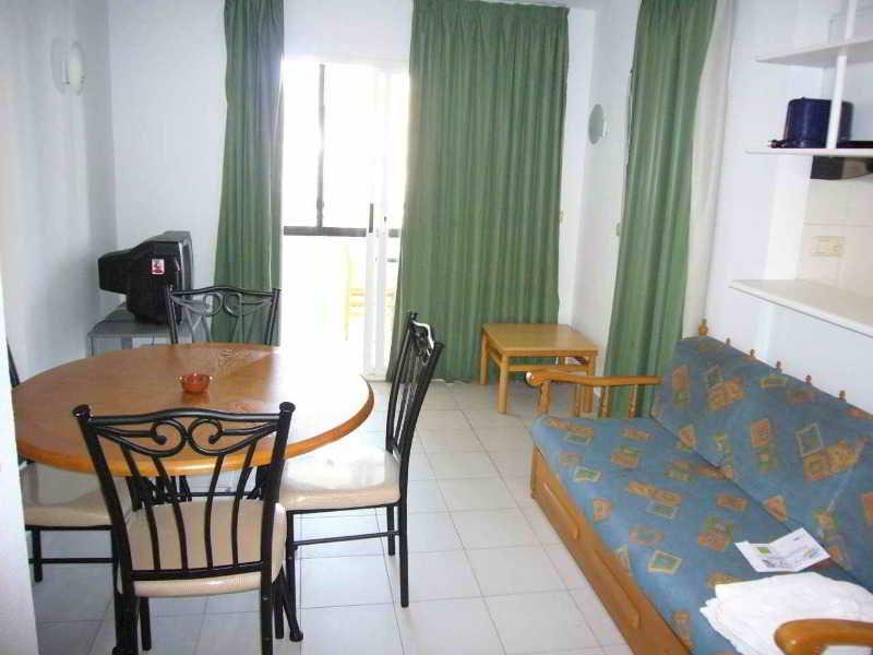 Apartamento san francisco m s entradas terra m tica - Apartamentos particulares en salou ...